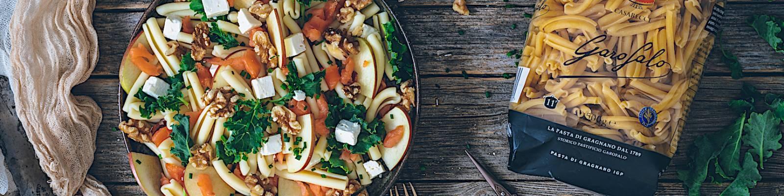 Pasta Garofalo - Salada de massa com Garofalo Casarecce, salmão e couve