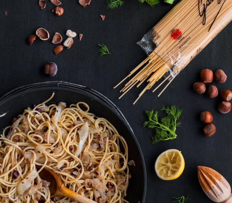 Pasta Garofalo - Spaghetti mit Fenchel in Haselnussbutter - Sara Heinen