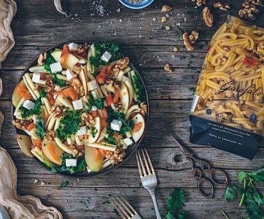 Pasta Garofalo - Ensalada de pasta, salmón y col rizada (kale)