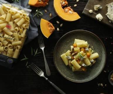 Pasta Garofalo - Rigatoni con calabaza asada, queso gorgonzola y salvia