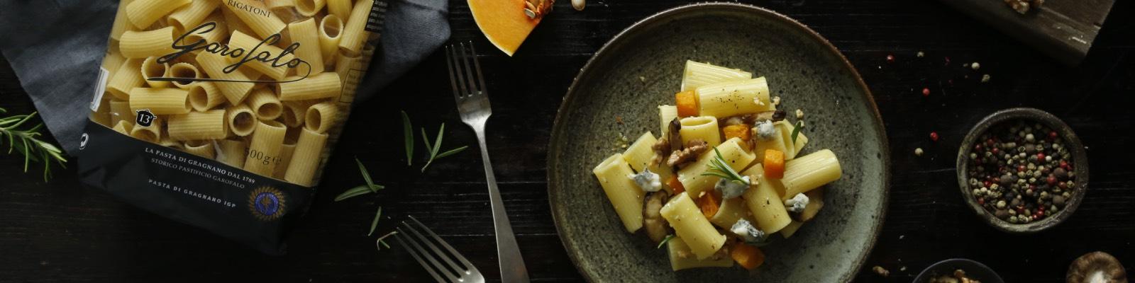 Pasta Garofalo - Rigatoni con calabaza asada, gorgonzola y salvia