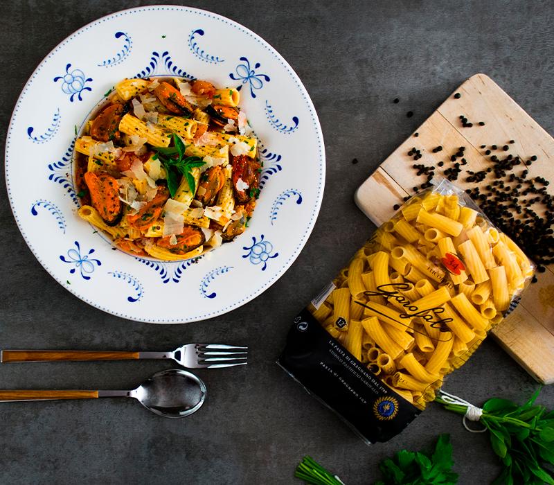 Pasta Garofalo - Elicoidali con mejillones, albahaca fresca y ralladura de queso pecorino