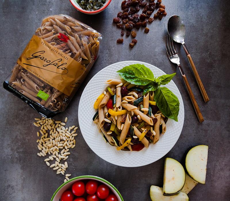 Pasta Garofalo - Pasta con Caponata de verduras, piñones y albahaca fresca