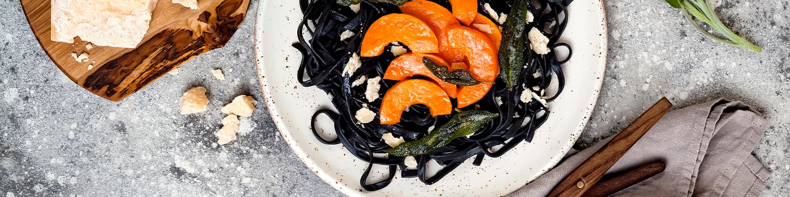 Pasta Garofalo - Spaghetti nero di sepia con calabaza asada