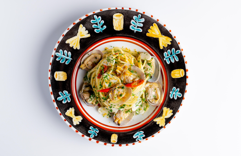 Pasta Garofalo - Viste tu mesa al estilo Amalfitano con los nuevos platos de Andrea Zarraluqui para Pasta Garofalo