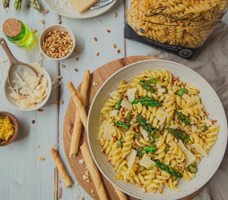 Pasta Garofalo - Fusilli aux asperges, pignons de pin, citron et parmesan