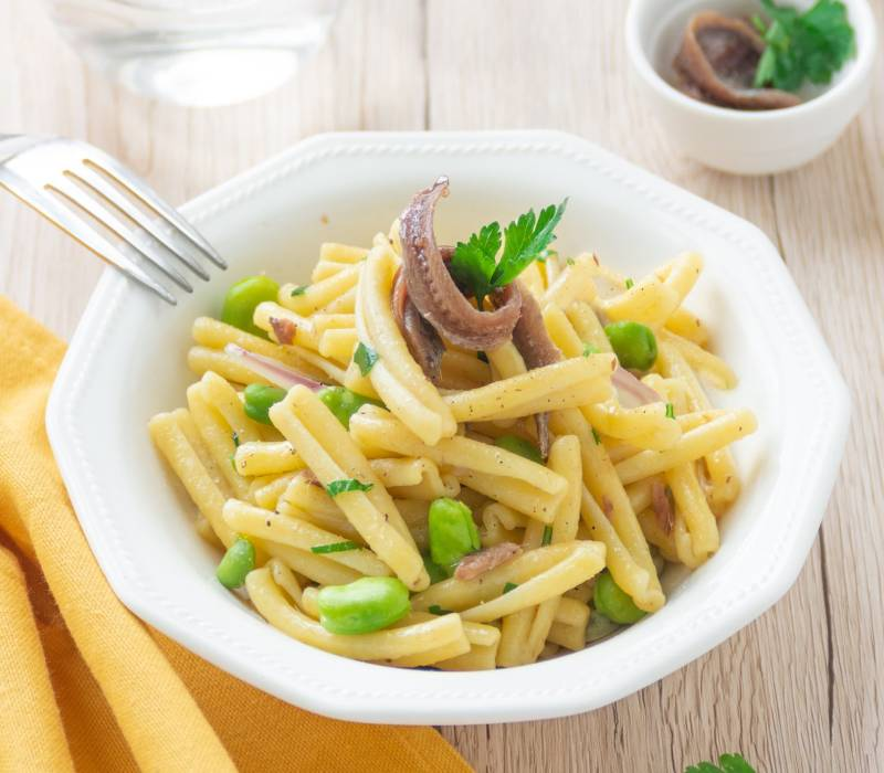 Pasta Garofalo - Casarecce con legumi e acciughe