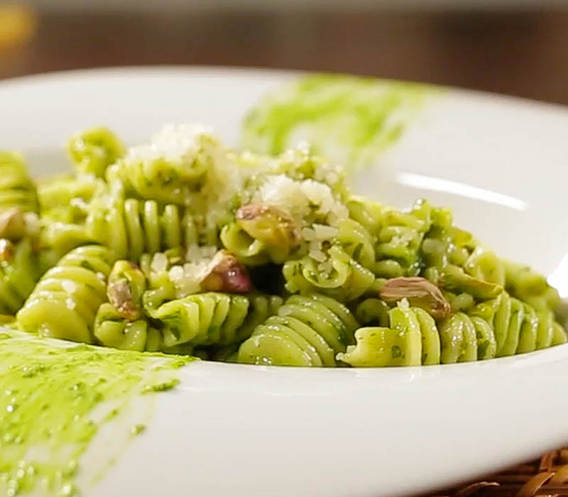 Pasta Garofalo - Radiatori with rocket and pistachio pesto